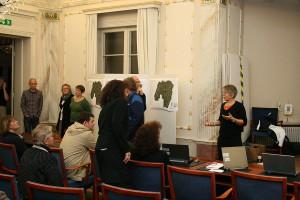 Gunilla Magnusson (MP) på uppföljningsmötet. Gunilla sitter ensam närmast kameran längst till vänster.