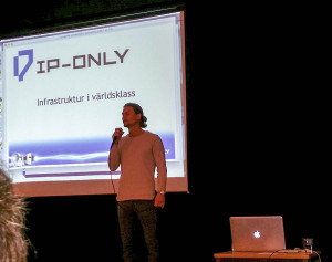 Rickard Applehoff från IP-Only presenterade erbjudandet. (Bild: Lars Kjellberg)