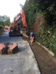 Förberedelse för asfaltering på Svalörtsvägen.